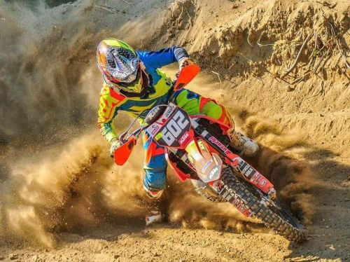 Motocrossowa pasja wiedzie na szczyty